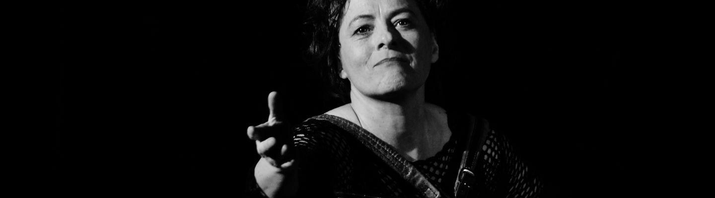 Theater: Toujours la Piaf